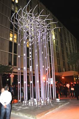 b2ap3_thumbnail_Torsion-Julio-Le-Parc---Appraise-art_20141203-164613_1.jpg